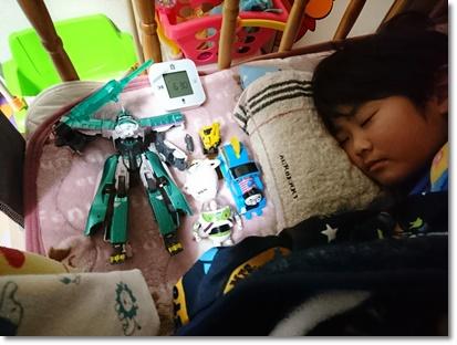 寝るときもおもちゃといっしょ♪