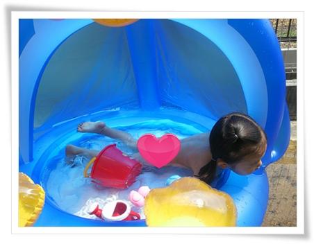 今シーズン初のペンギンプールで水遊び♪