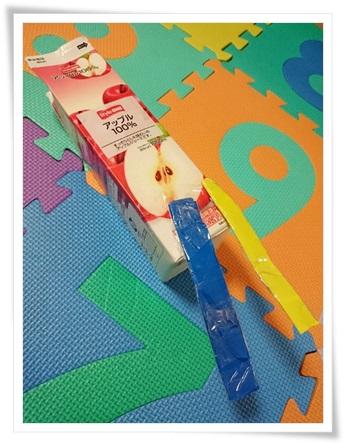 くまちゃん教室で作った ロケット だそうです(^^;